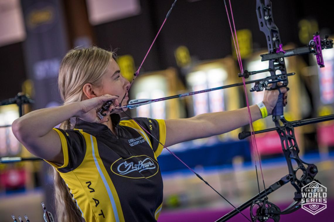 Lisell Jaatma shoots during qualification at the Sud de France – Nimes Archery Tournament in 2021.