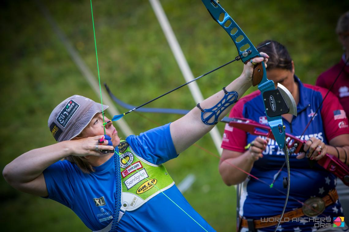 Lina Bjorklund shoots during the World Archery Field Championships in 2018.