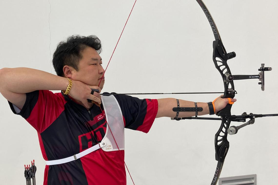 Oh Jin Hyek shoots during the fourth remote stage of the Indoor Archery World Series in 2021.