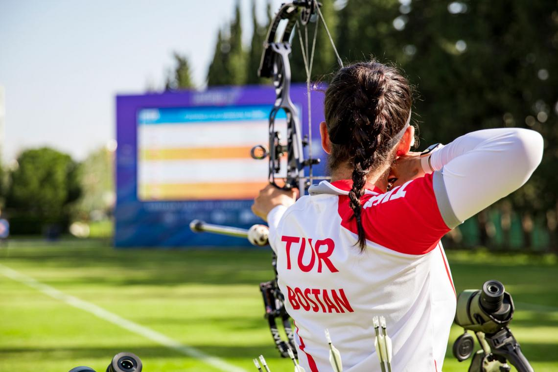 Yesim Bostan shoots during practice at the European Grand Prix in Antalya in 2021.