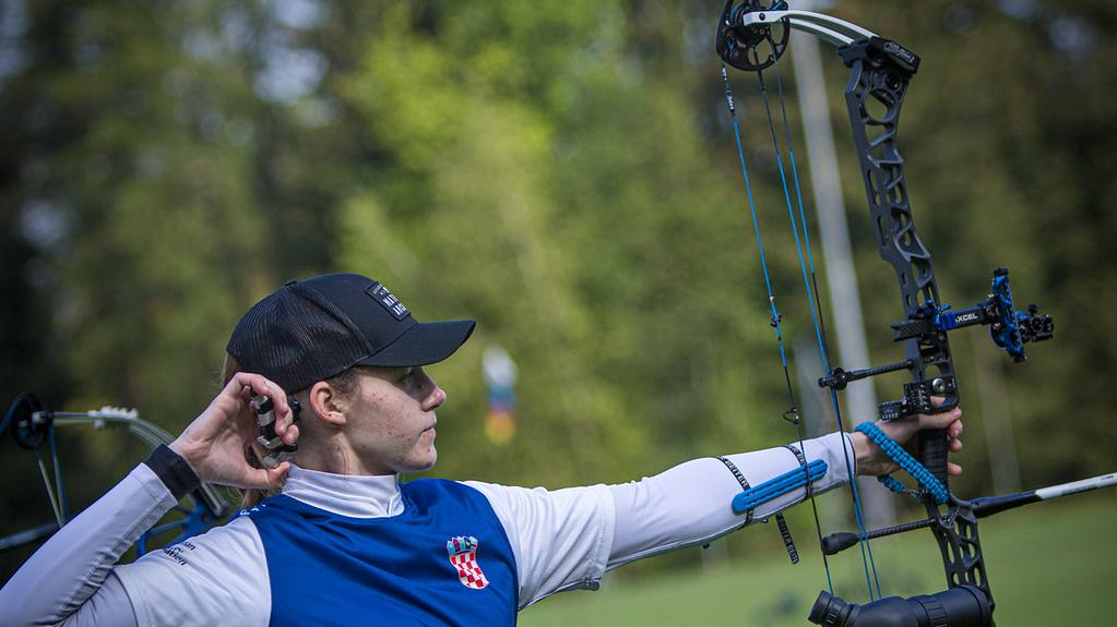 Amanda Mlinaric shoots at the second stage of the 2021 Hyundai Archery World Cup in Lausanne.