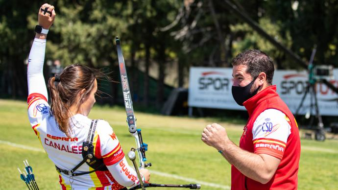 Elia Canales celebrates wining recurve women's gold at the 2021 European Grand Prix in Antalya.