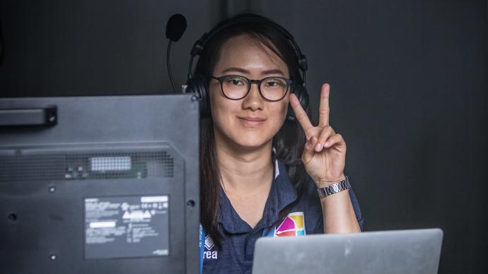 Vanessa Lee in the commentary booth at the Hyundai World Archery Championships in 2019.