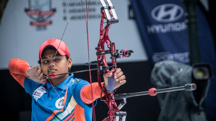 Jyothi Surekha Vennam shoots during the Hyundai World Archery Championships in 2019.