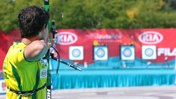 Marcus D'Almeida shoots during practice at the Archery World Cup Final in 2014.