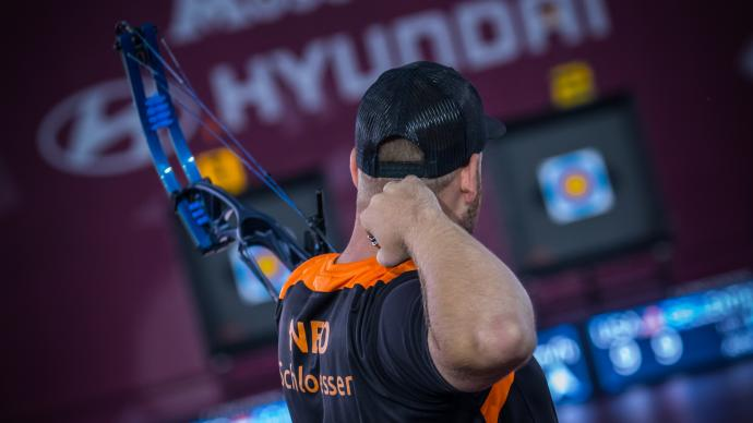 Mike Schloesser shoots during the Hyundai Archery World Cup Final in 2019.