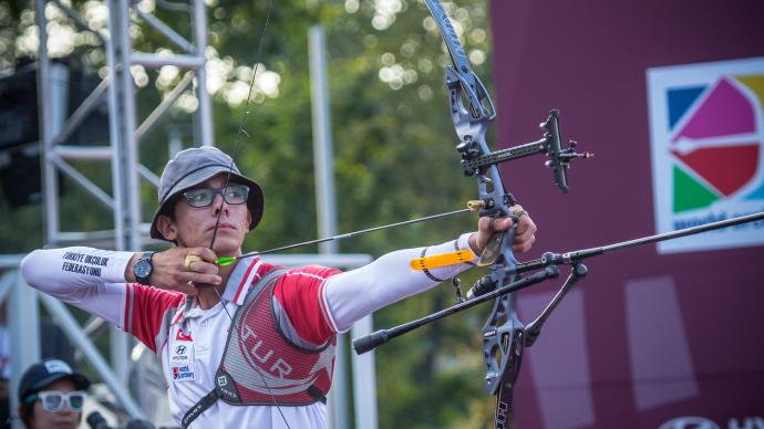 Mete Gazoz shoots during the Hyundai Archery World Cup Final in 2019.