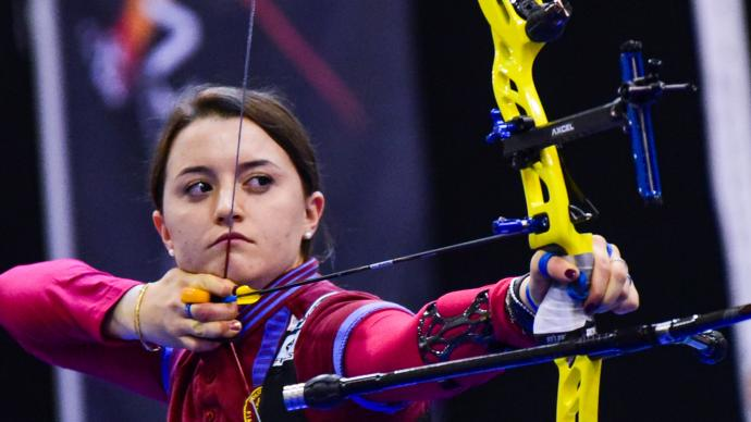 Tatiana Andreoli shoots during the Roma Archery Trophy in 2019.