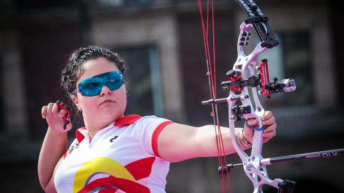 Andrea Marcos shoots at the Hyundai Archery World Cup Final in 2017.
